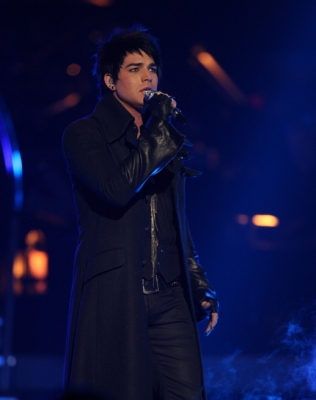93496_adam-lambert-performs-mad-world-on-american-idol-may-19-2009