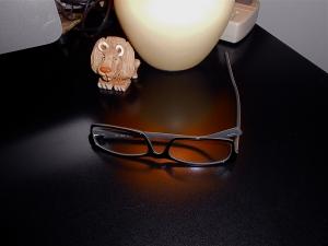 glassesondesk