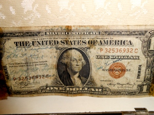 Hawaiian 1935 autographed dollar bill